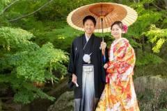 紅葉前の日本庭園にて和装前撮りロケ