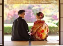 日本庭園の和室にて結婚式和装前撮りロケ