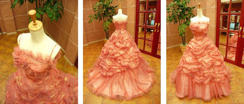 豪華なカラードレスのレンタルが滋賀で格安だと人気のブルースター