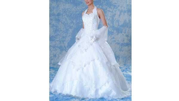 結婚式の二次会でもウェディングドレスをご利用頂けます