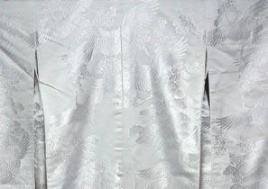 大津市の神社挙式で人気の白無垢レンタル