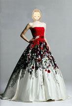 人気の赤色カラードレス