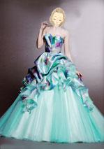 結婚式での水色ドレス