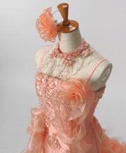 カラードレスなどのドレスレンタルが人気の滋賀ブルースター