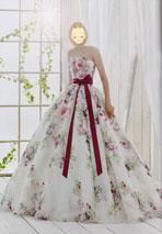 花柄のカラードレスでリボン付きの可愛いドレス
