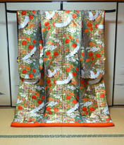 大奥で着用されていそうな和装打掛のレンタルが京都滋賀で人気のブルースター