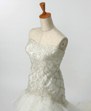 京都で豪華なマーメイドドレスのレンタルが格安だと人気の滋賀ブルースター