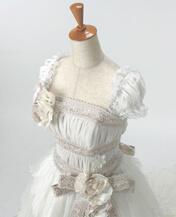 可愛いウェディングドレスのレンタル