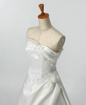 滋賀でウェディングドレスのレンタルが口コミで人気の滋賀ブルースター