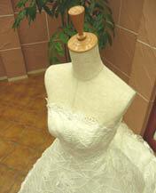 コードレース仕様ウェディングドレスのレンタルが格安