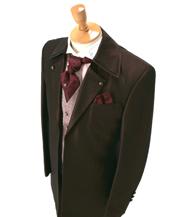 ワインレッド色のタキシードが口コミで人気の滋賀ブルースター